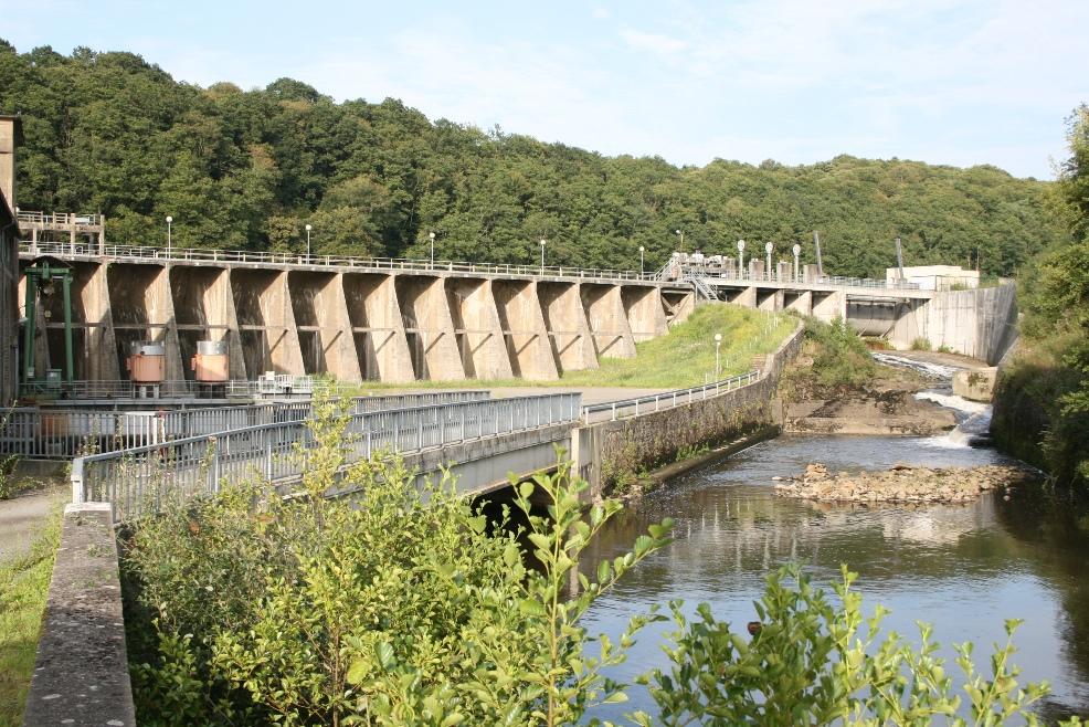 Barrage de la Roche-qui-boit (Photo J-P Doron)